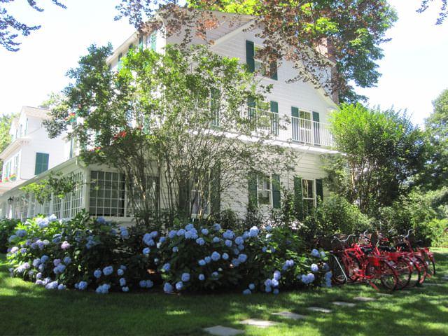 Hamptons, and the living is easy, USA