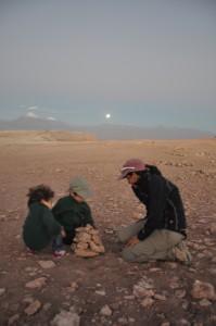 Building apachetas in the Atacama desert