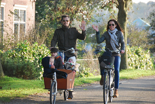 the Van de Paal family on their bakfiets