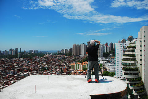Massimo Vitali at work in Sao Paulo