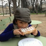 Eating waffles in Jardin du Luxembourg
