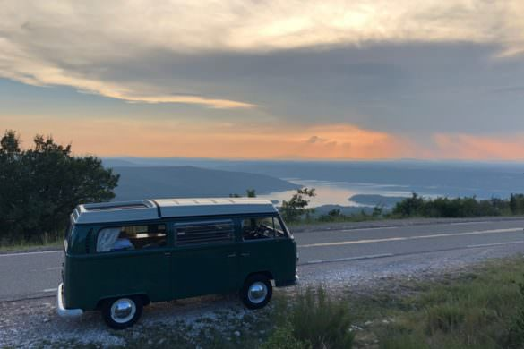 Combi VW 1968 vintage on the road