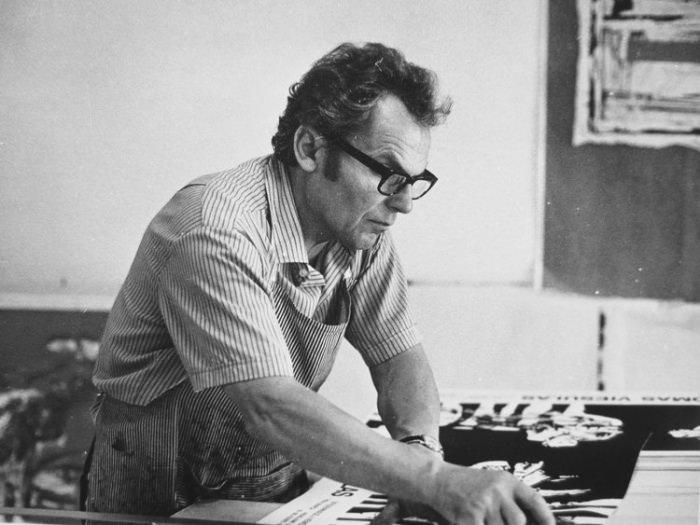 artist Romas Viesulas at work